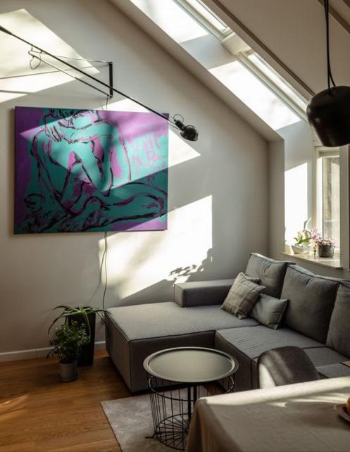XY ankamierzejewska malarstwo przymiarka obrazu w domu Projet Iwona Toka Artecubo foto. Grzegorz Golebiowski sztuka wspoczesna obraz mieszkanie kunst interiordesign design malarstwo