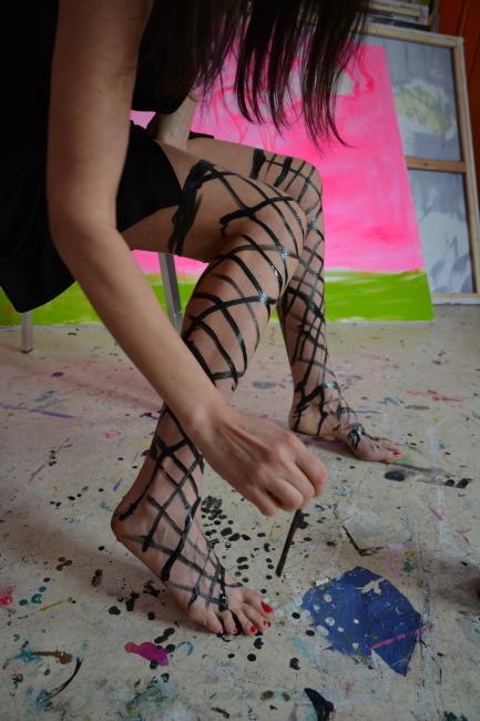Y anka mierzejewska malarstwo sztuka obrazy contemporary finearts film stockings rajstopy ponczochy namalowane happening corona art during