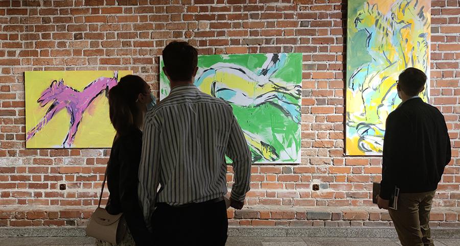 xy anka mierzejewska malarstwo sztuka obrazy wystawa muzeum miejskie wroclawia contemporary art paintings cats